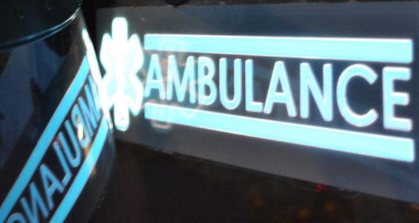 Film lumineux et éclairage électroluminescent pour ambulance