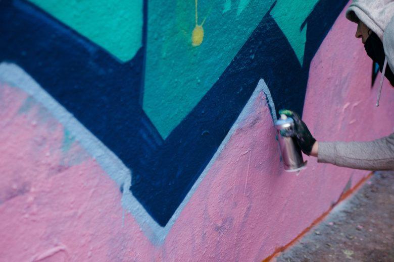 Film anti-graffiti, efficace pour dissuader les actes de vandalisme