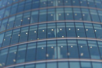 Poser un film protecteur sur vos vitres : les bonnes pratiques