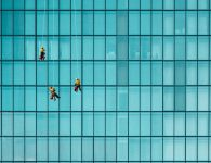 Entretien des films de protection sur vos vitres, pour une longévité assurée