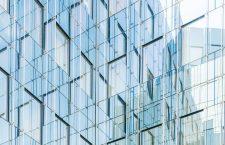 Commerce ou agence : quelles solutions d'habillages pour vos vitrines ?